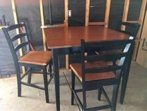 Kitchen Table & 4 Chairs in Yucca Valley, California