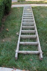 Werner 32ft aluminum extension ladder in Bolingbrook, Illinois