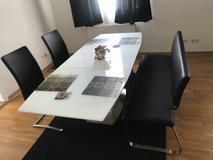 Dining room set (expandable table) in Grafenwoehr, GE