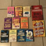 Lot of 12 Janet Evanovich Books EUC in Fairfield, California