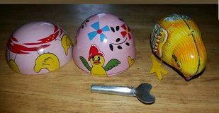 Vintage Tin Litho Chick Chicken in Egg Wind Up Toy Haji made in Japan in Barstow, California