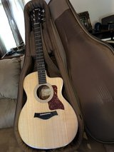 Taylor 214 Grand Auditorium A/E C/A, Nat. (electric Acoustic In MINT LIKE NEW condition! in Camp Lejeune, North Carolina