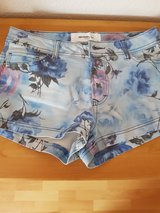 Shorts Size: S (36) Like New in Ramstein, Germany