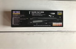 Hot Tools Ceramic Flat Iron Brand New in Fort Leonard Wood, Missouri