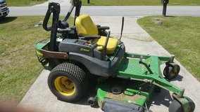 2005 John deere 777 z track mower( credit card accepted) MOVING NEED TO SELL$3000 in Camp Lejeune, North Carolina