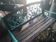 cast iron bench in bookoo, US