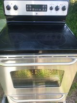 Ge five burner stainless steel stove in Beaufort, South Carolina