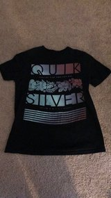 Men's Small QuikSilver T-shirt in Hampton, Virginia