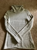 Women's Like New Columbia Cream Light Sweater Size Large (12/14) in Hampton, Virginia