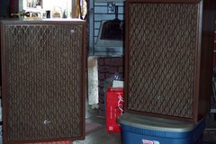Old School Sansui SP5500X Speakers in Yucca Valley, California