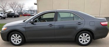 1 Owner 2007 Toyota Camry XLE-V6 Navigation Top Of the Line With 125,000 Miles in Westmont, Illinois