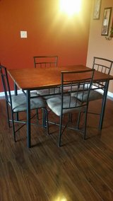 Kitchen/dining room set in Lockport, Illinois