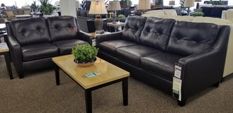 20 % OFF THIS 2PC LEATHER SET! in Cherry Point, North Carolina