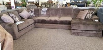 20% OFF THIS BEAUTIFUL JACKSON SECTIONAL! in Cherry Point, North Carolina