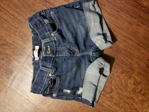 Girls size 10 Levi shorts in Lawton, Oklahoma