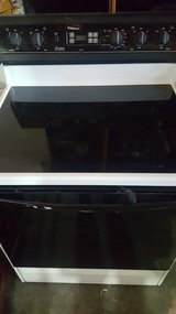 amana self clean oven in Yucca Valley, California