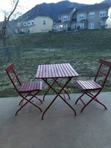 Outdoor table and chairs in Colorado Springs, Colorado