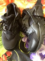 NIKE GUARACH black edition.new condition in Ramstein, Germany