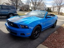 2011 FORD MUSTANG CONVERTIBLE PREMIUM in Lockport, Illinois