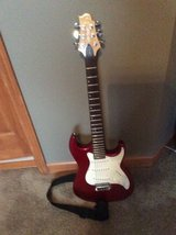 SAMICK GREG BENNETT ELECTRIC GUITAR - New never used - with case in Yorkville, Illinois