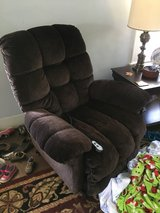 Cozy Electric Recliner - full extension and lift in Shreveport, Louisiana