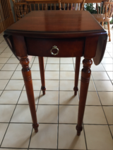 Traditional Rectangular Pembroke Table with Double Drop Leaf in Orland Park, Illinois