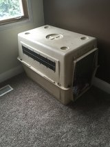 DOG CRATE OR DOG KENNEL FOR LARGE DOG 50-70 LBS in Bolingbrook, Illinois