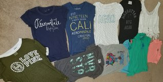 Girls juniors s-m clothes lot in Fort Leonard Wood, Missouri
