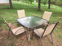Patio table and four chairs in Fort Leonard Wood, Missouri