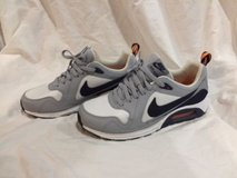 nike air max trax used men's size 10 in Okinawa, Japan