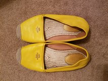 Yellow Coach flats in Chicago, Illinois