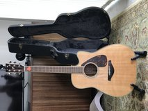 Yamaha guitar Model FGX 730 SC with hard case and Snark tuner in Kaneohe Bay, Hawaii