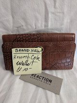 Kenneth Cole trifold brown and black wallet.  (Brand New Item) in 29 Palms, California