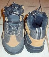 Men's Oak Harbor hiking shoes - Great condition in Alamogordo, New Mexico