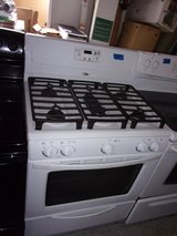Whirlpool Beautiful White Gas Stove in Fort Riley, Kansas
