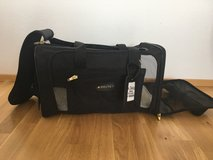 Soft Top Pet Carrier - Used Once in Stuttgart, GE