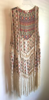 UMGEE USA Fringe Kimono Size L in Excellent Pre-Owned Condition! in Beaufort, South Carolina