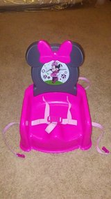 minnie mouse booster seat in Fort Leonard Wood, Missouri