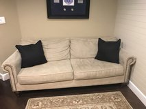 Pier 1 Couch.  Great condition in Travis AFB, California