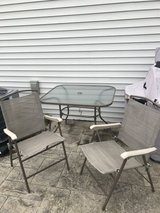 Table and 3 chairs in Batavia, Illinois