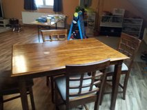 Bar Height Table w/ chairs in Baumholder, GE