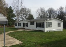 LARGE 3 BEDROOM HOME WITH HUGE KITCHEN FOR PEOPLE THAT LOVE THE COUNTRY 10 minutes to Rolla and ... in Rolla, Missouri