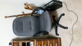 Office chair that is adjustable in Fort Leonard Wood, Missouri