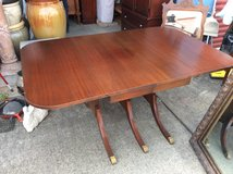 Duncan Phyfe Style Ding Room Table w/chairs in Pleasant View, Tennessee