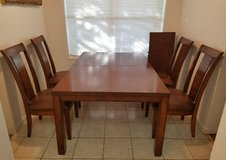 Table with 4 chairs+a extra extensions in The Woodlands, Texas