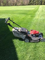 Honda HRX 217 new style blade stop feature bag self propel GREAT shape ready to work in Sugar Grove, Illinois