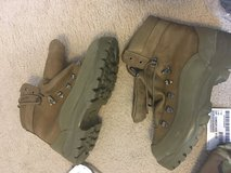 Army combat boot - Belleville Mountain - Size 12 Reg in Fort Carson, Colorado