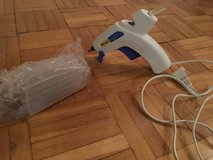 Hot Glue Gun 110V & 50 Glue Sticks in Ramstein, Germany