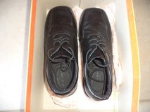 Boy's Dressy Shoes Size 4 in The Woodlands, Texas