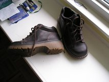 WOMAN'S HIKING SHOES size 8.5 in Naperville, Illinois